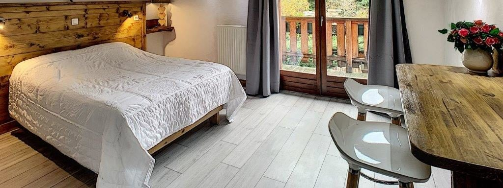 http://restaurant-sauvageonne.fr/wp-content/uploads/2020/06/chambre-double-lafontaine-500xauto.jpg